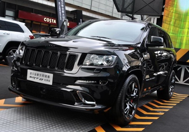 Chinese SRT Black Edition Jeep Grand Cherokee