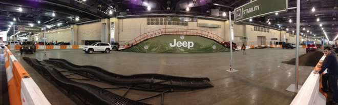 2013 Philadelphia Auto Show Off-Roading Jeep Course