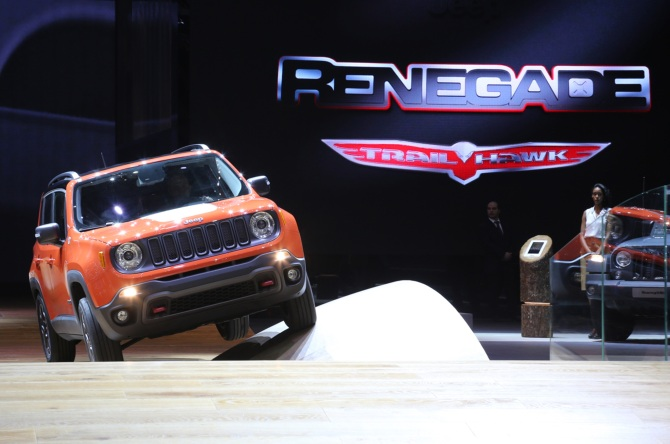 Jeep-Renegade-2017-ExtremeTerrain