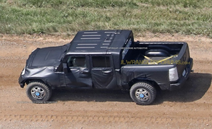 Wrangler Pickup Off-roading