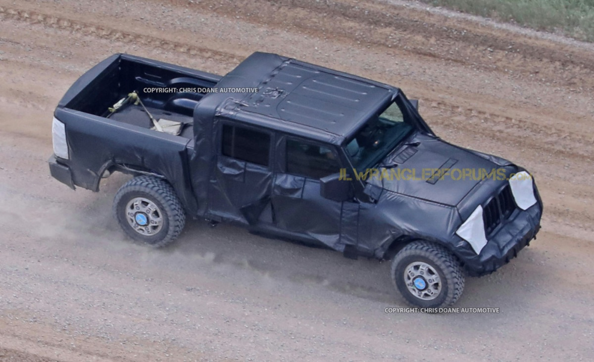BREAKING! 2019 Jeep Wrangler Pickup Spied Testing Off-Road!