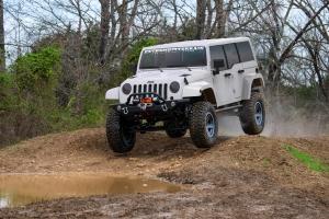 2018 JL Jeep Wrangler crawling