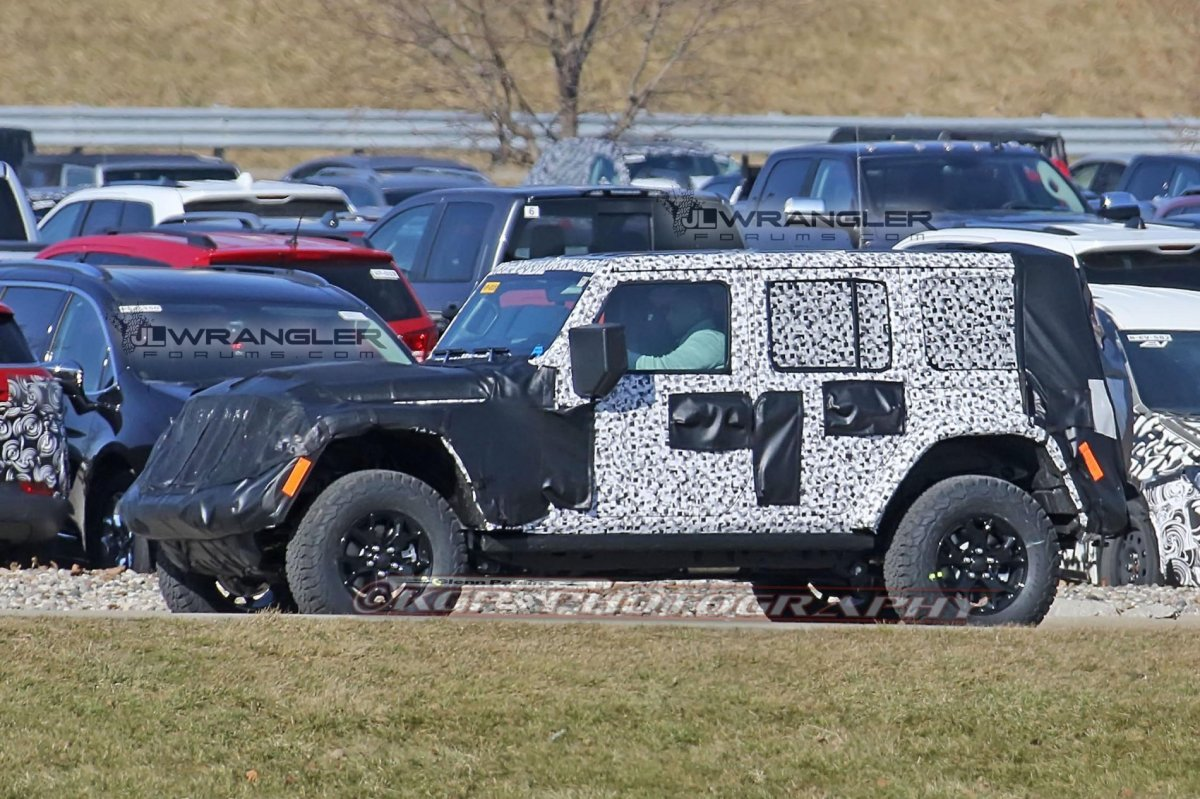 2018 Wrangler Power Roof and Accessory Update
